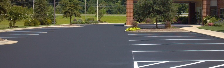 Asphalt Sealcoating